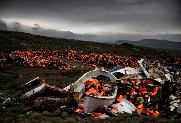 Свалка в деревне Митимна. Фото: Aris Messinis / AFP / EastNews